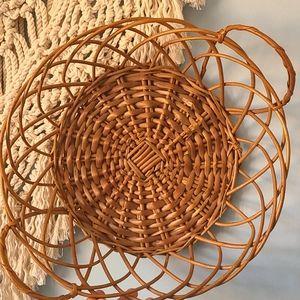 Vtg wicker fruit basket